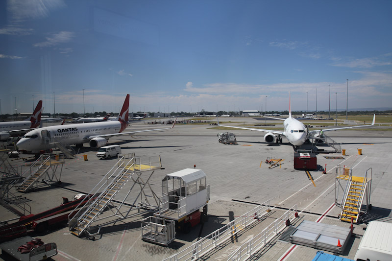 how to get to terminal 4 perth airport