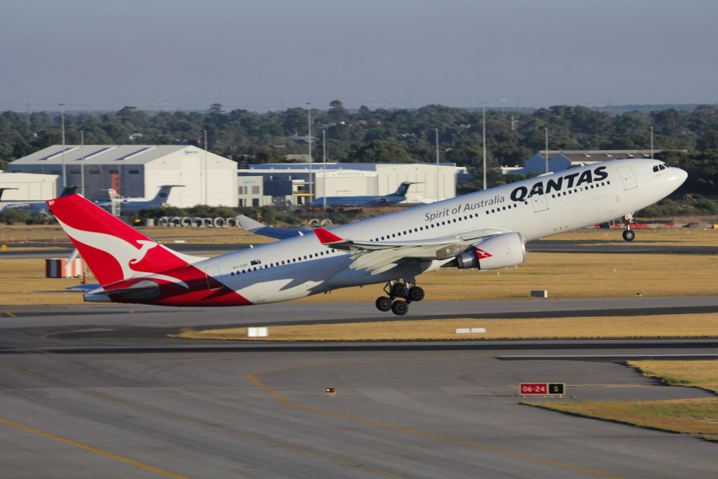 "VH-EBP Airbus A330-202 (cn 1174) of Qantas, named ""Ningaloo Valley"", at Perth Airport - Fri 1 March 2013."