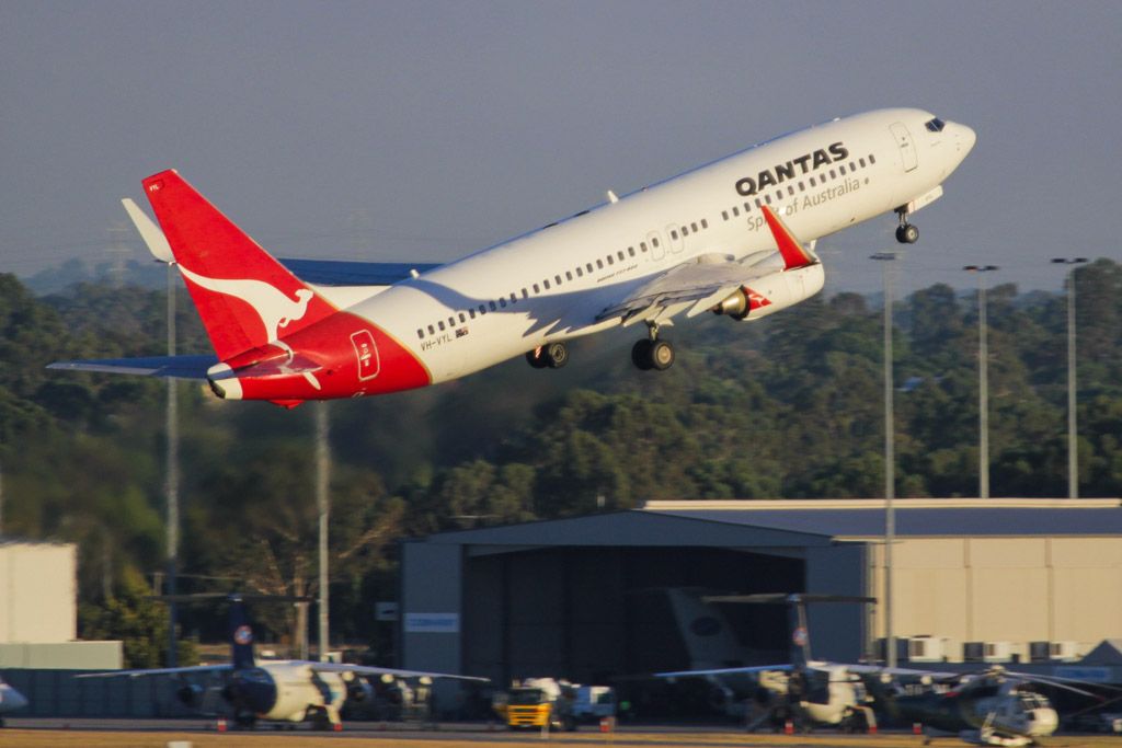 "VH-VYL Boeing 737-838 (cn 34184/1854) of Qantas, named ""Wangaratta"" at Perth Airport - Fri 1 March 2013"