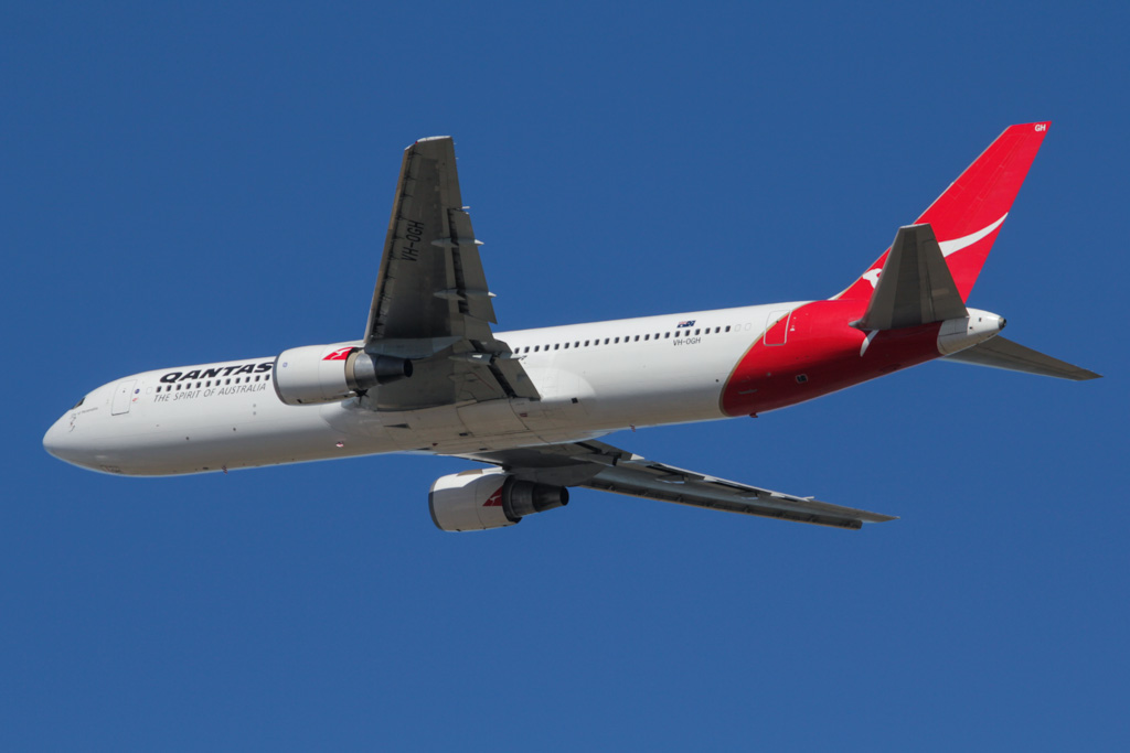 "VH-OGH Boeing 767-338ER (cn 24930/344) of Qantas, named ""City of Parramatta"" at Perth Airport - Sat 2 March 2013."