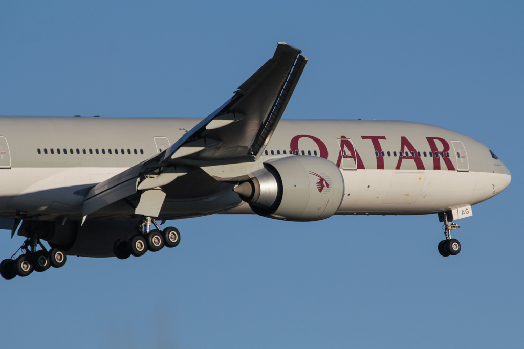 "A7-BAG Boeing 777-3DZ ER (cn 36014/819) of Qatar Airways, named ""Littoriya"" at Perth Airport - Sat 30 March 2013."