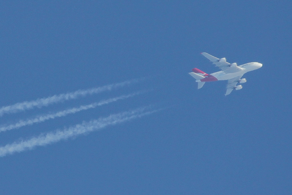 "VH-OQI Airbus A380-842 (cn 055) of Qantas, named ""David Warren"", at high altitude over the northern suburbs of Perth - Sun 31 March 2013"