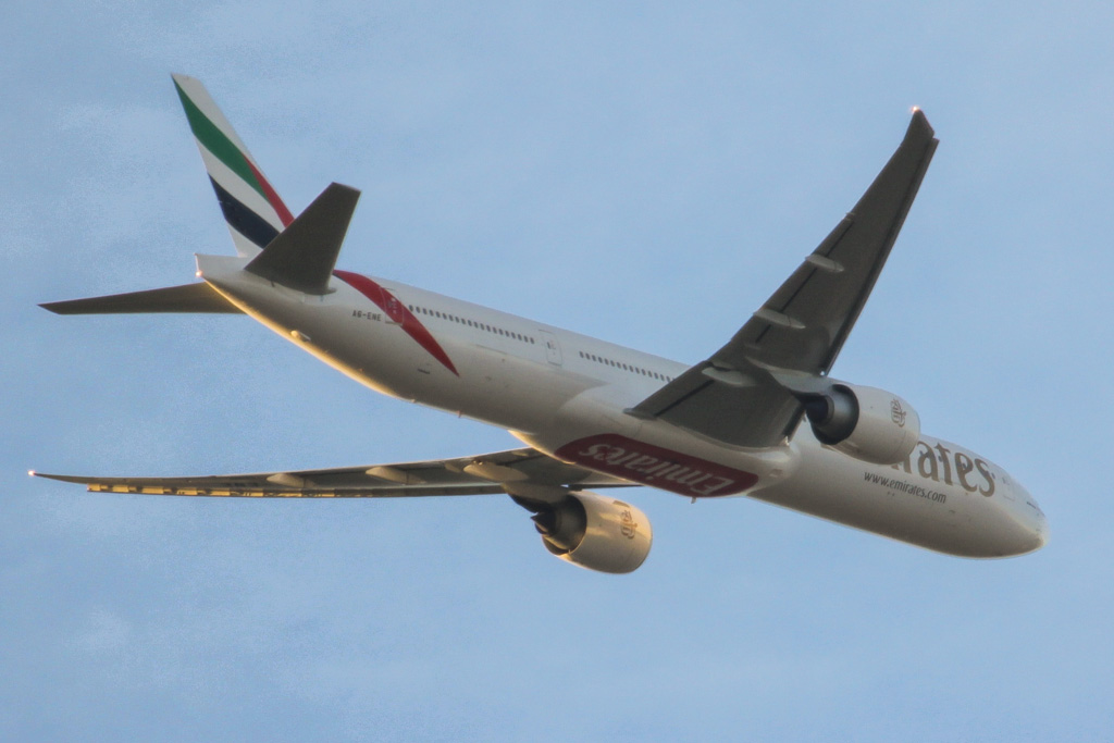 A6-ENE Boeing 777-31H ER (cn 35603/1069) of Emirates over the northern suburbs of Perth on Tue 23 April 2013
