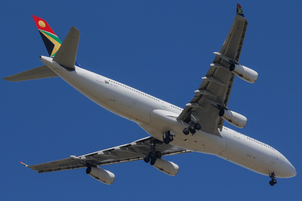 ZS-SXA Airbus A340-313X (cn 544) of South African Airways over West Swan – Fri 26 April 2013