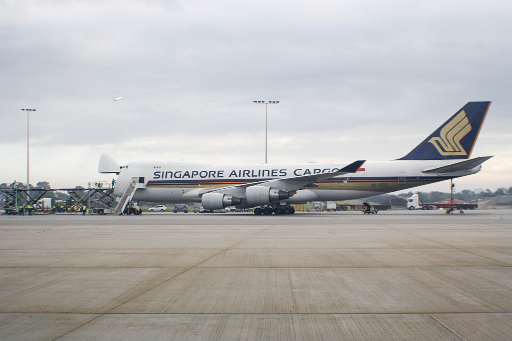 9V-SFO Boeing 747-412F (cn 32900/1349) of Singapore Airlines Cargo at Perth Airport – Sat 18 May 2013.