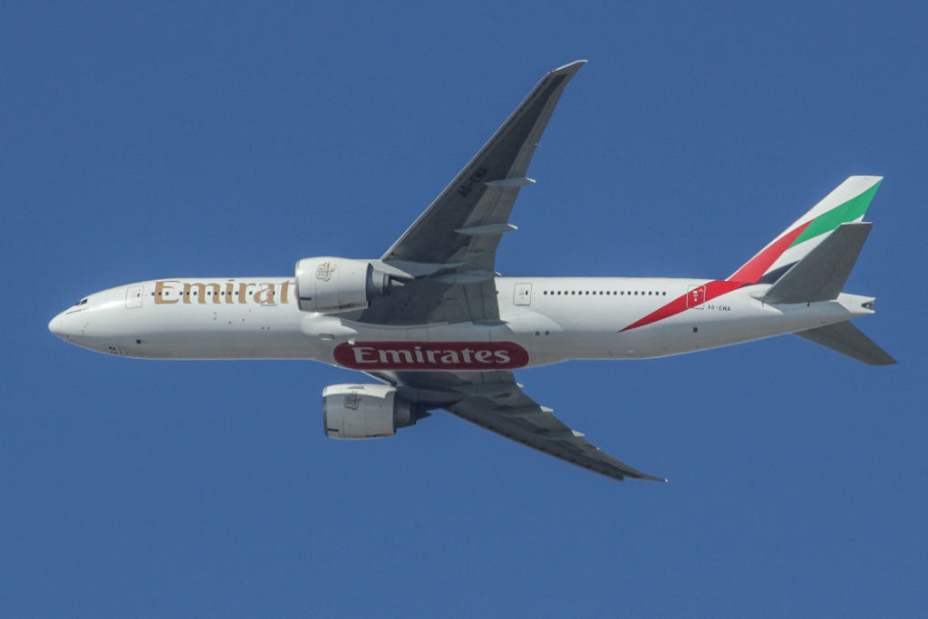 A6-EWA Boeing 777-21H LR (cn 35572/654) of Emirates, over northern suburbs of Perth – Sat 18 May 2013