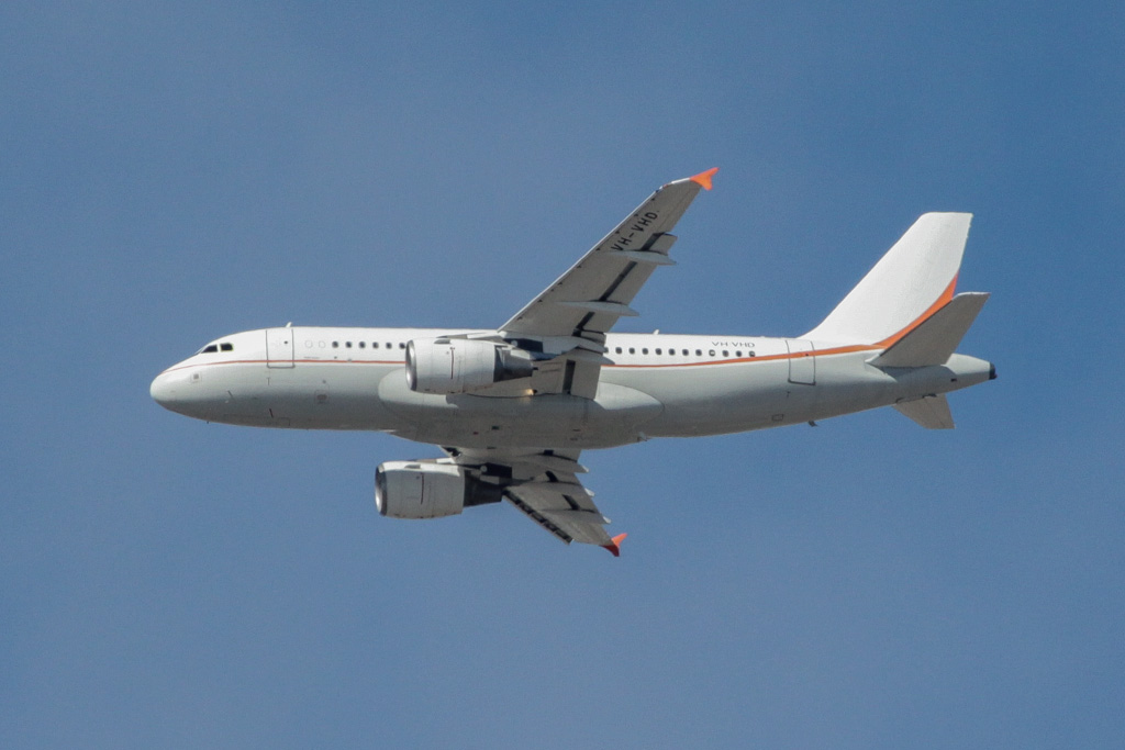 VH-VHD Airbus A319-115CJ (cn 1999) of Skytraders, over northern suburbs of Perth – Sat 18 May 2013