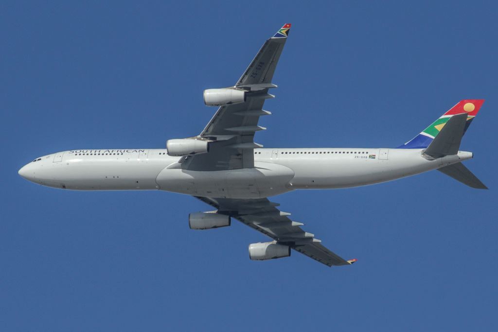 ZS-SXB Airbus A340-313X (cn 582) South African Airways, over northern suburbs of Perth – Sat 18 May 2013