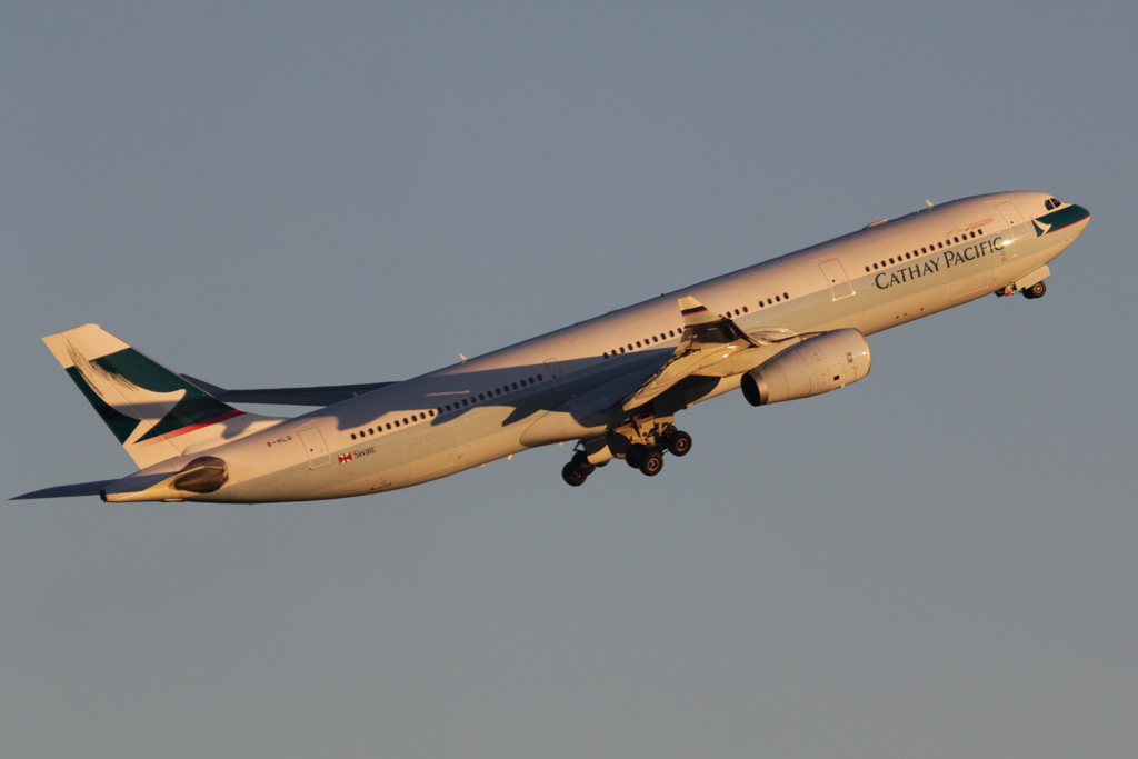 B-HLQ Airbus A330-343X (cn 420) of Cathay Pacific at Perth Airport – Fri 24 May 2013