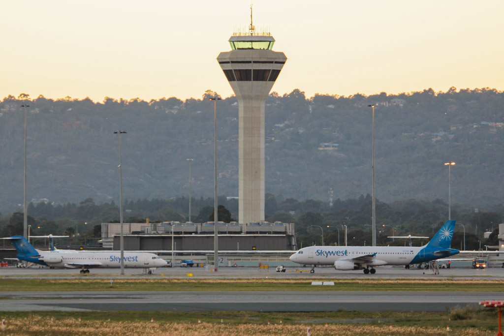 Control Tower at Perth Airport – Fri 24 May 2013