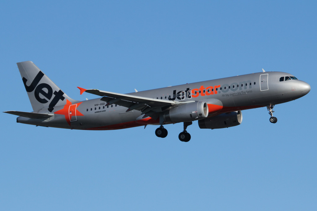VH-VGI Airbus A320-232 (cn 4466) of Jetstar at Perth Airport – Fri 24 May 2013