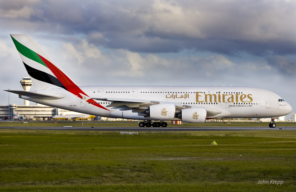 A6-EDE Airbus A380-861 (cn 017) of Emirates, lining up for take-off from runway 21 at Perth on 15 August 2009.