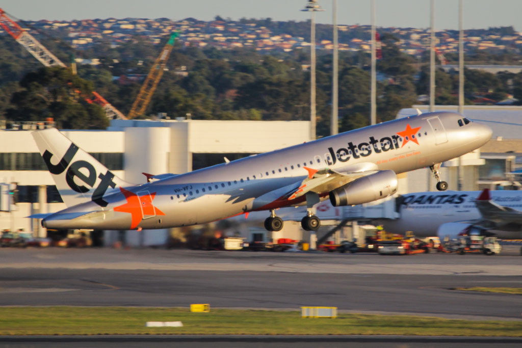 VH-VFJ Airbus A320-232 (cn 5311) of Jetstar at Perth Airport – Mon 3 June 2013
