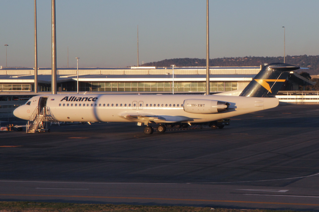 VH-XWT Fokker 100 (cn 11338) of Alliance Airlines at Perth Airport - Fri 21 June 2013.