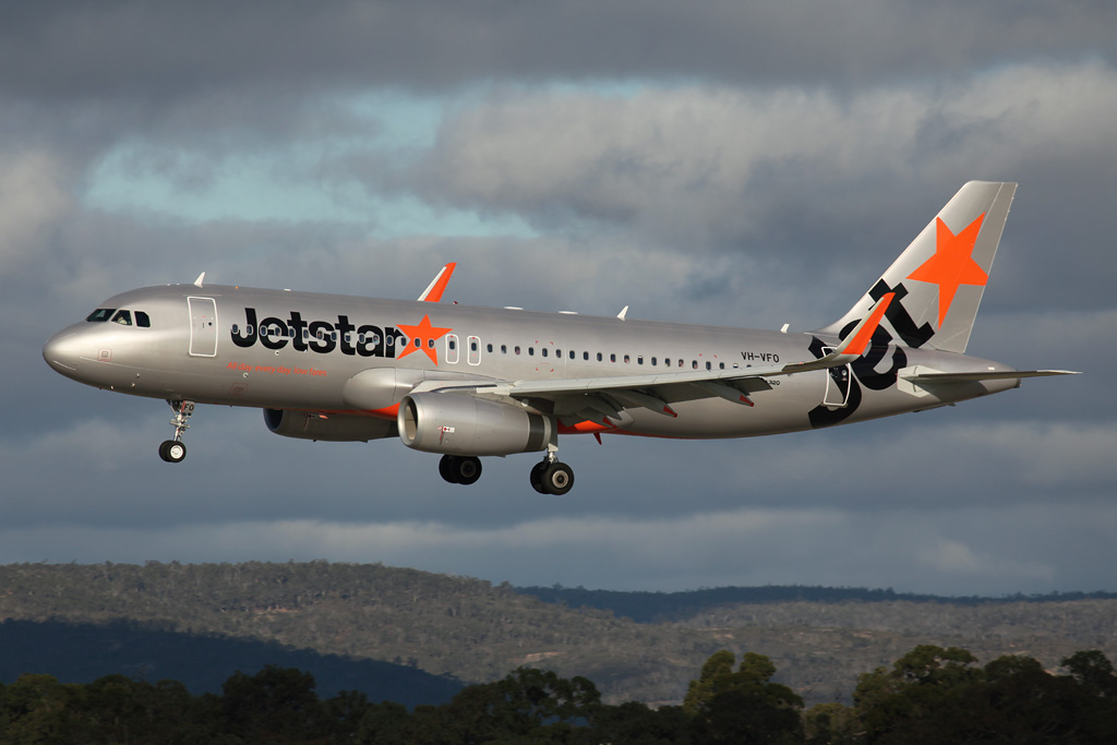VH-VFO Airbus A320-232 (cn 5631) of Jetstar (leased from BOC Aviation Corp) at Perth Airport – Sat 20 July 2013
