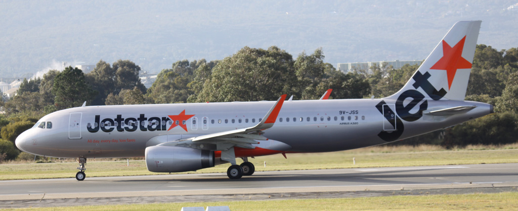 9V-JSS Airbus A320-232 (MSN 5472) of Jetstar Asia at Perth Airport - Sat 10 Aug 2013