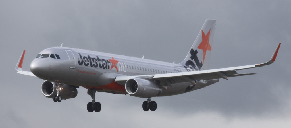 VH-VFO Airbus A320-232 (cn 5631) of Jetstar (leased from BOC Aviation Corp) at Perth Airport – Sat 10 Aug 2013.