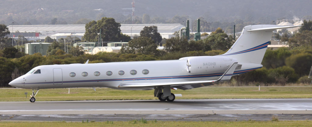 N401HB Gulfstream Aerospace GV-SP (G-550) (MSN 5173) of Chevron USA Inc of Oakland, California, USA at Perth Airport - Sat 17 August 2013.