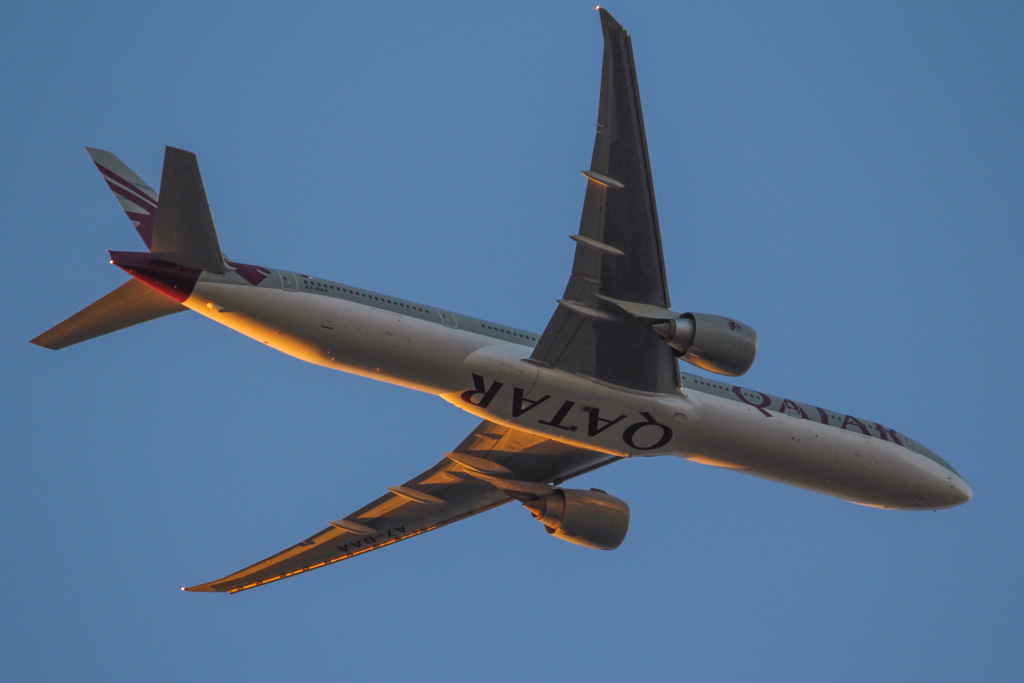 A7-BAA Boeing 777-3DZ ER (MSN 36009/676) of Qatar Airways (leased from Al Khattuya Leasing) over the northern suburbs of Perth - Wed 21 August 2013.