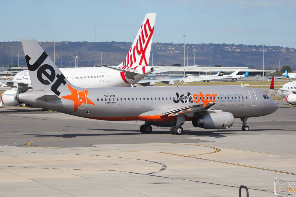 VH-VGN Airbus A320-232 (MSN 4434) of Jetstar at Perth Airport – Sat 24 August 2013.