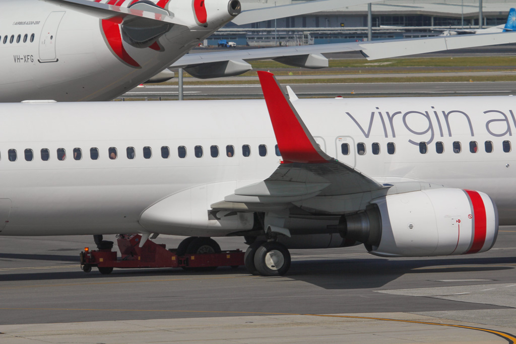"VH-YFE Boeing 737-81D (MSN 39414/3623) of Virgin Australia (leased from AWAS), named ""Sunshine Beach"" at Perth Airport – Sat 24 August 2013."