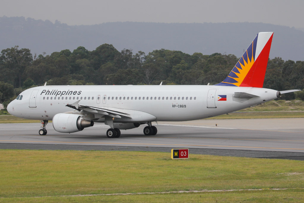 RP-C8619 Airbus A320-214 (MSN 5315) of Philippine Airlines (leased from AWAS) at Perth Airport – Mon 2 September 2013.