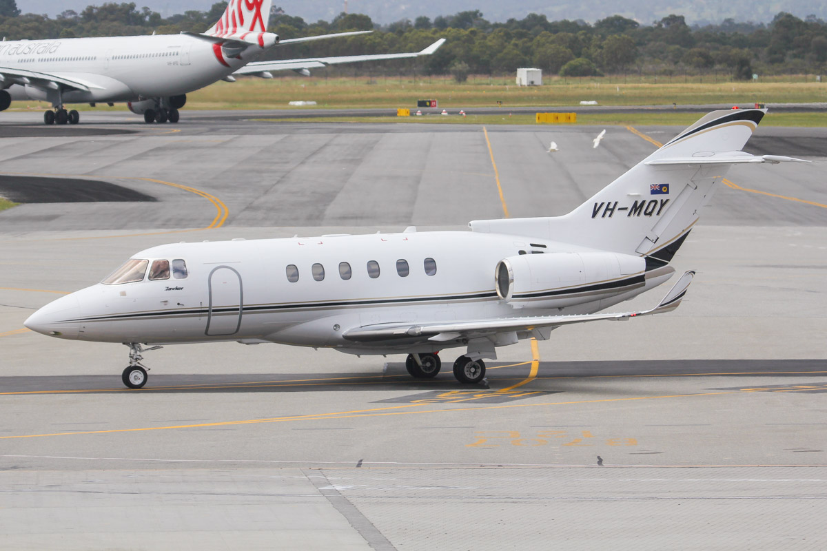 VH-MQY Raytheon Hawker 850XP (MSN 258807) of Maroomba Airlines (Nantay Pty Ltd), which is operated for the Government of Western Australia at Perth Airport - Fri 27 September 2013.