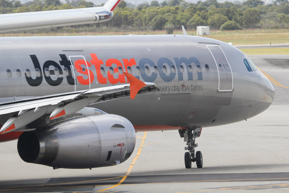 VH-VWZ Airbus A321-231 (MSN 1195) of Jetstar (leased from Pembroke Capital) at Perth Airport - Fri 27 September 2013.