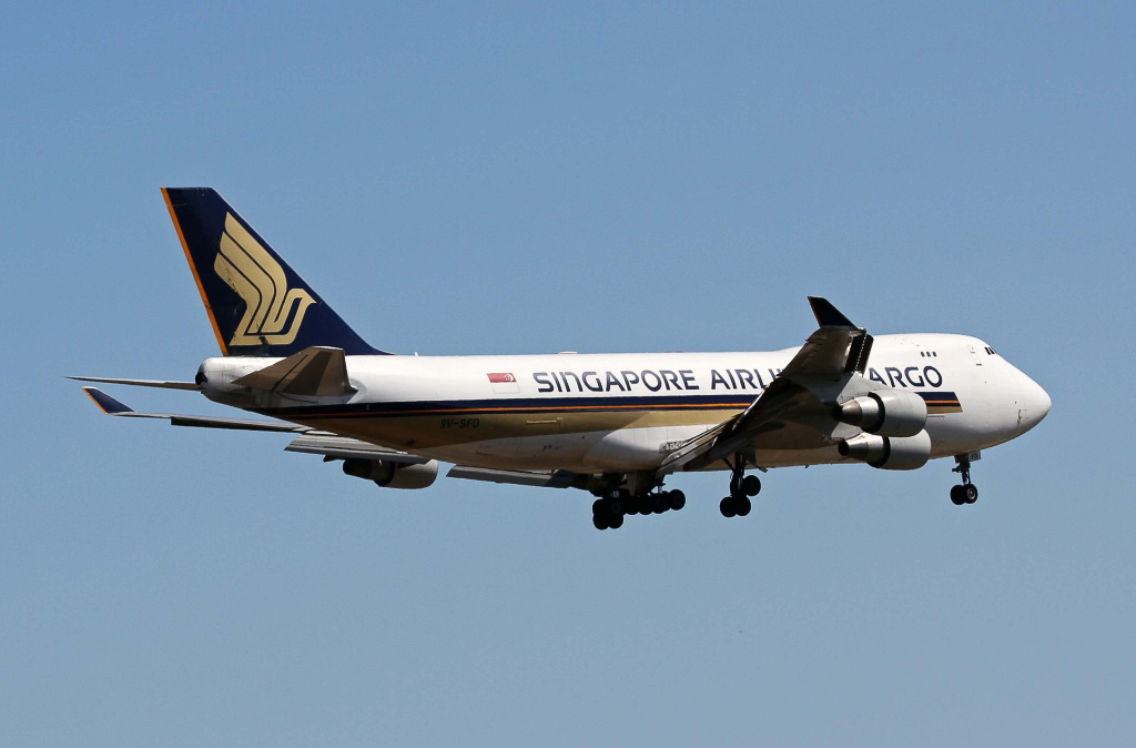 9V-SFD Boeing 747-412F (SCD) (MSN 26553/1069) of Singapore Airlines Cargo at Perth Airport – Sun 13 October 2013.