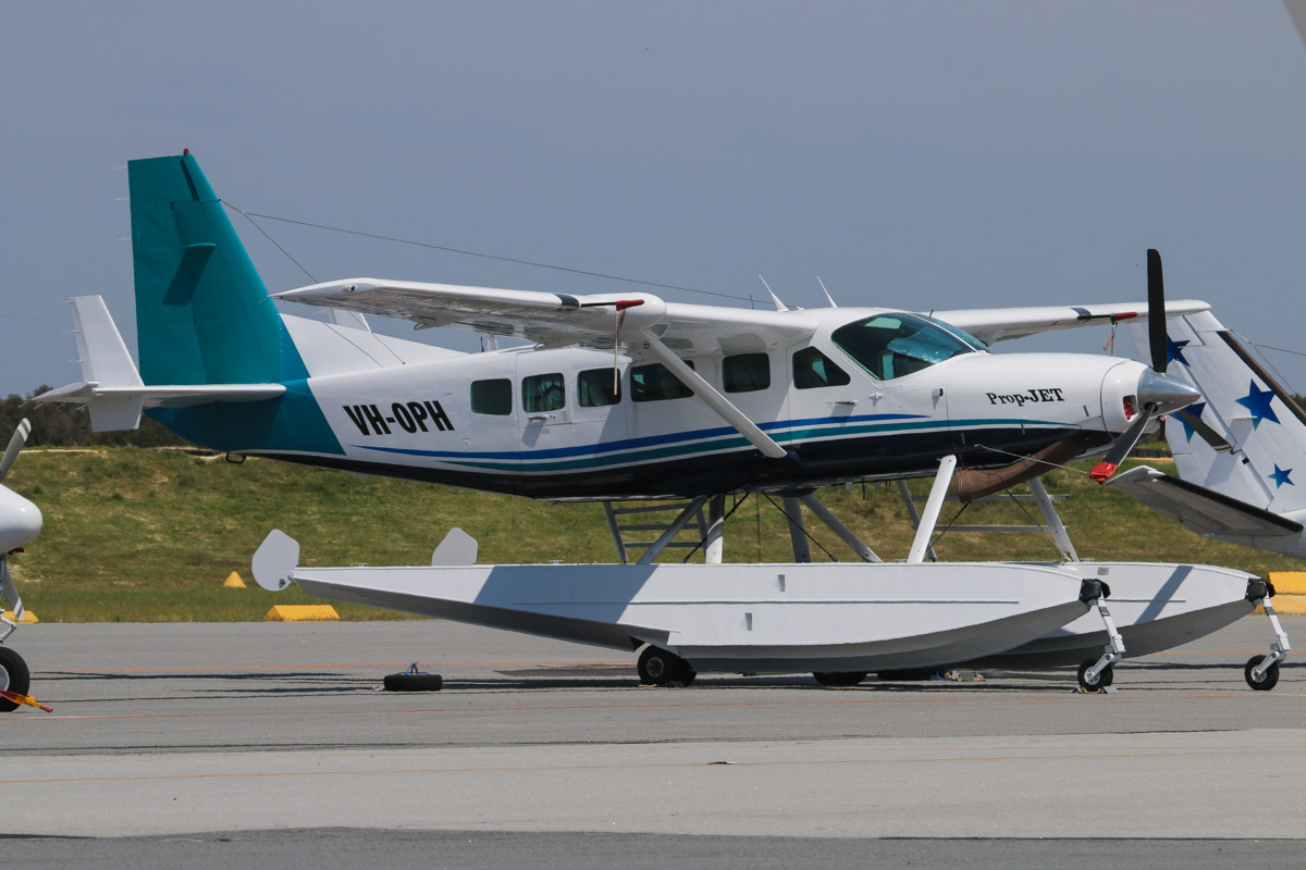 VH-OPH Cessna 208 Caravan floatplane (MSN 20800157) of Catalina Airlines at Jandakot Airport – Sun 27 October 2013.