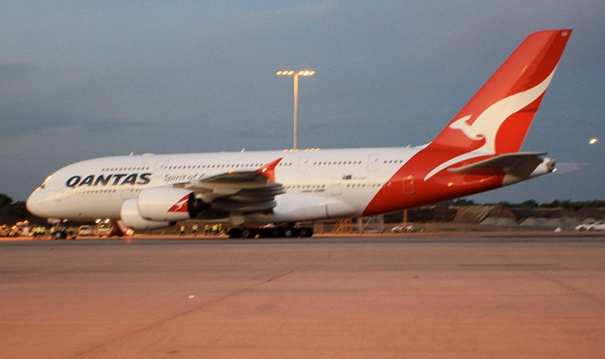 VH-OQB Airbus A380-842 (MSN 015) of Qantas, named 'Hudson Fysh' at Perth Airport - Sat 16 November 2013.