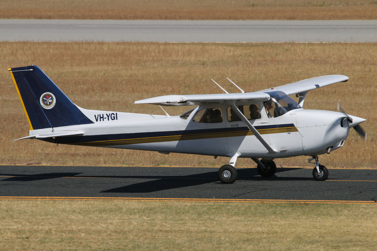 VH-YGI Cessna 172R Skyhawk (MSN 17281577) owned by Singapore Flying College, at Jandakot Airport - Thu 21 November 2013.