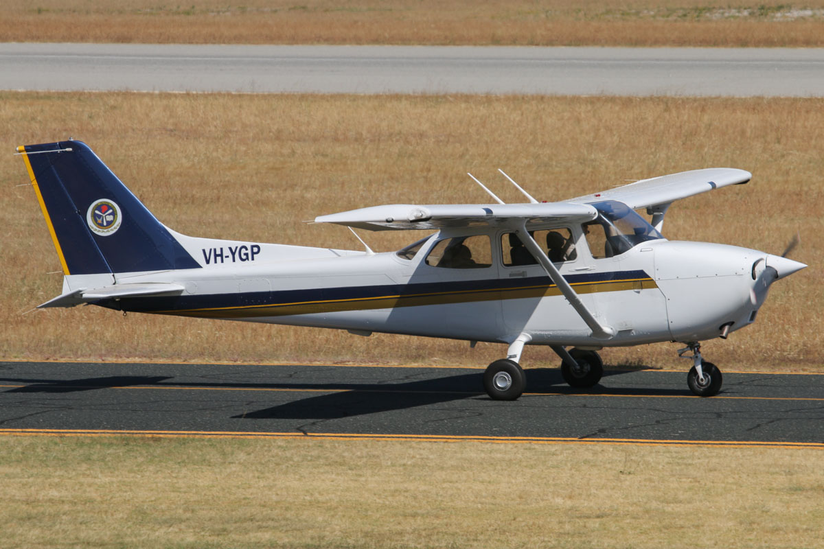 VH-YGP Cessna 172R Skyhawk (MSN 17281579) owned by Singapore Flying College, at Jandakot Airport - Thu 21 November 2013.