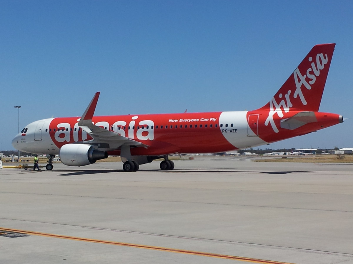 PK-AZE Airbus A320-216 (sharklets) (MSN 5098) of Indonesia AirAsia at Perth Airport – Tue 3 December 2013.