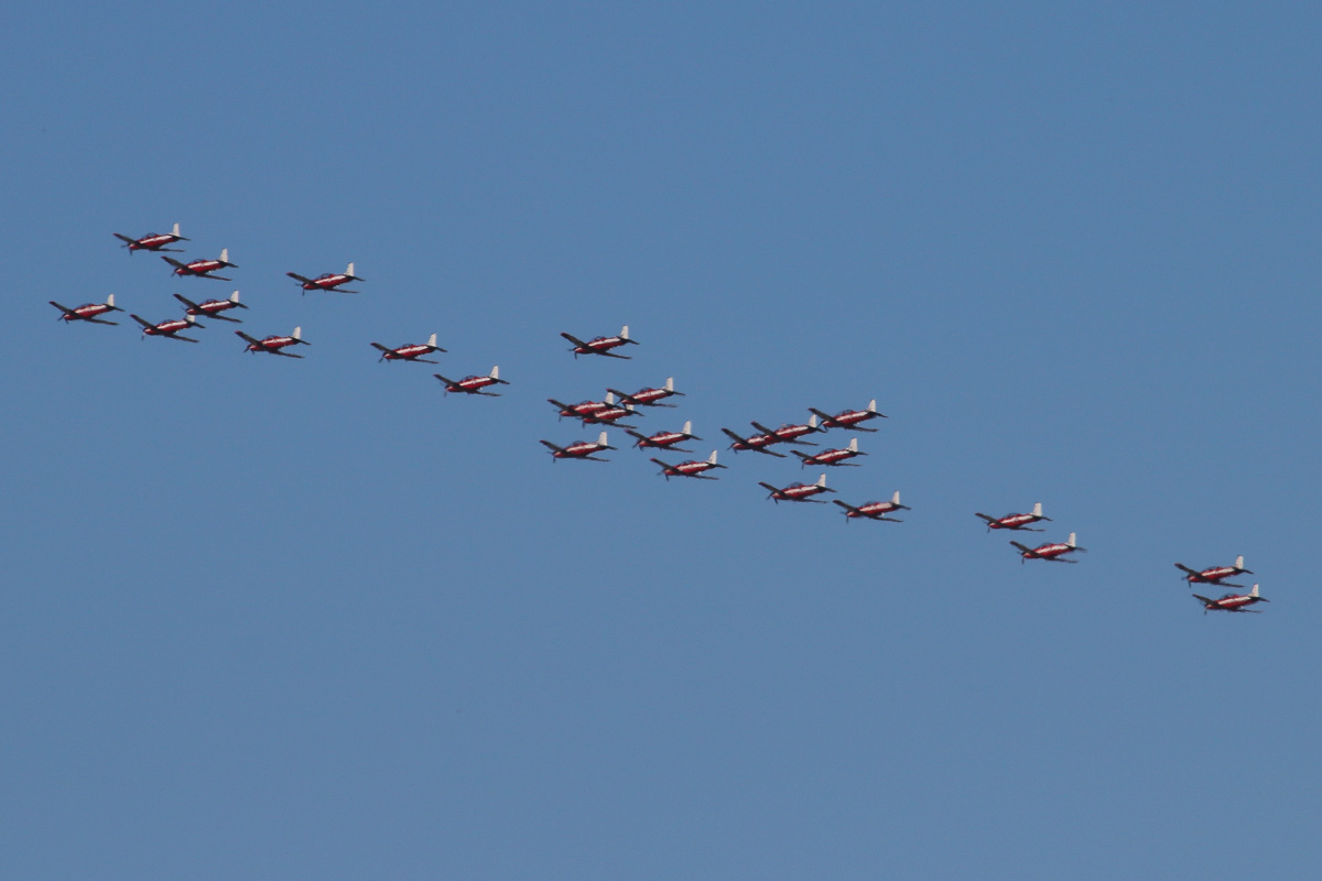 26 Pilatus PC-9/A aircraft of 2 Flying Training School (2FTS), RAAF, based at Pearce, WA, in Thunderbird formation over the northern suburbs of Perth – Wed 4 December 2013.