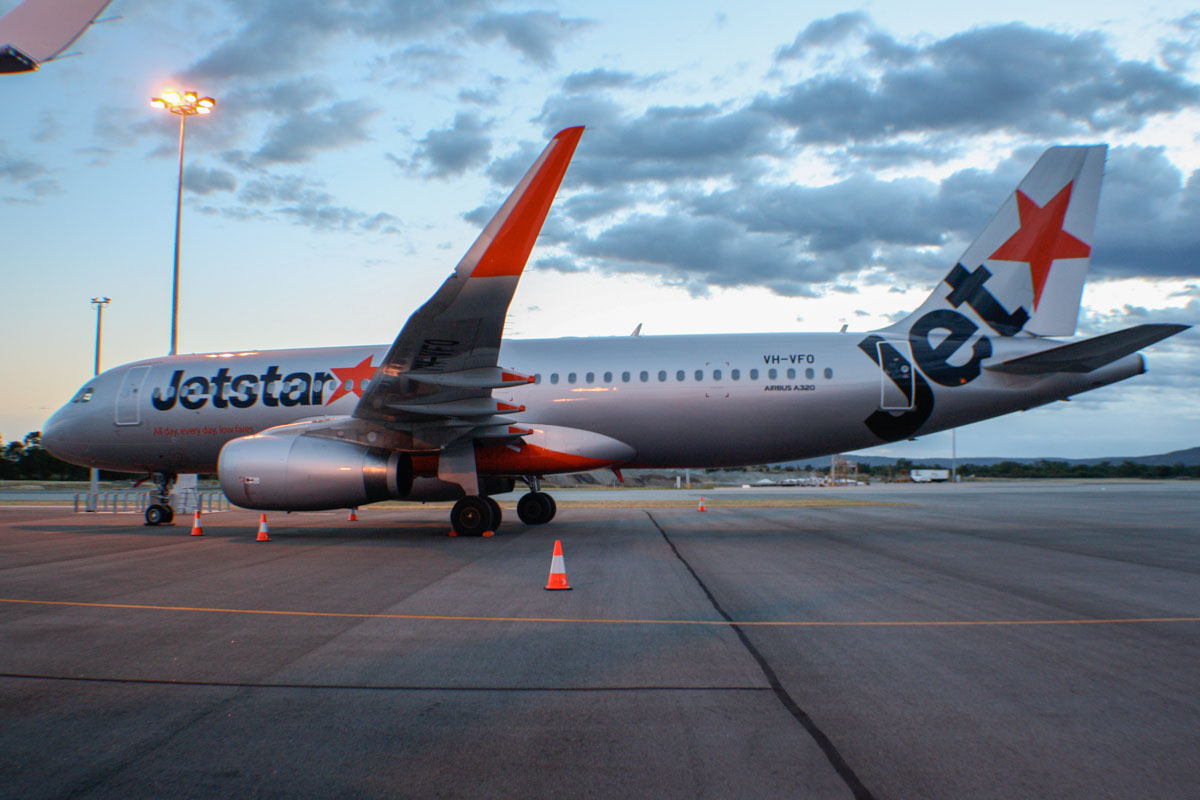 VH-VFO Airbus A320-232 (sharklets) (MSN 5631) of Jetstar (leased from BOC Aviation Corp) at Perth Airport - Fri 6 December 2013.