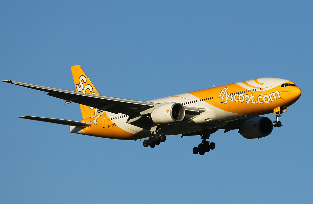 "9V-OTE Boeing 777-212ER (MSN 28519/237) of Scoot, named ""Scootalicious"", at Perth Airport - Thursday 12 December 2013."