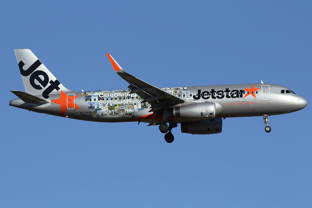 "VH-VFN Airbus A320-232 (MSN 5566) of Jetstar (leased from BOC Aviation Corp) – special ""Celebrating 100 aircraft and over 100 million passengers"" livery at Perth Airport – Fri 27 December 2013."