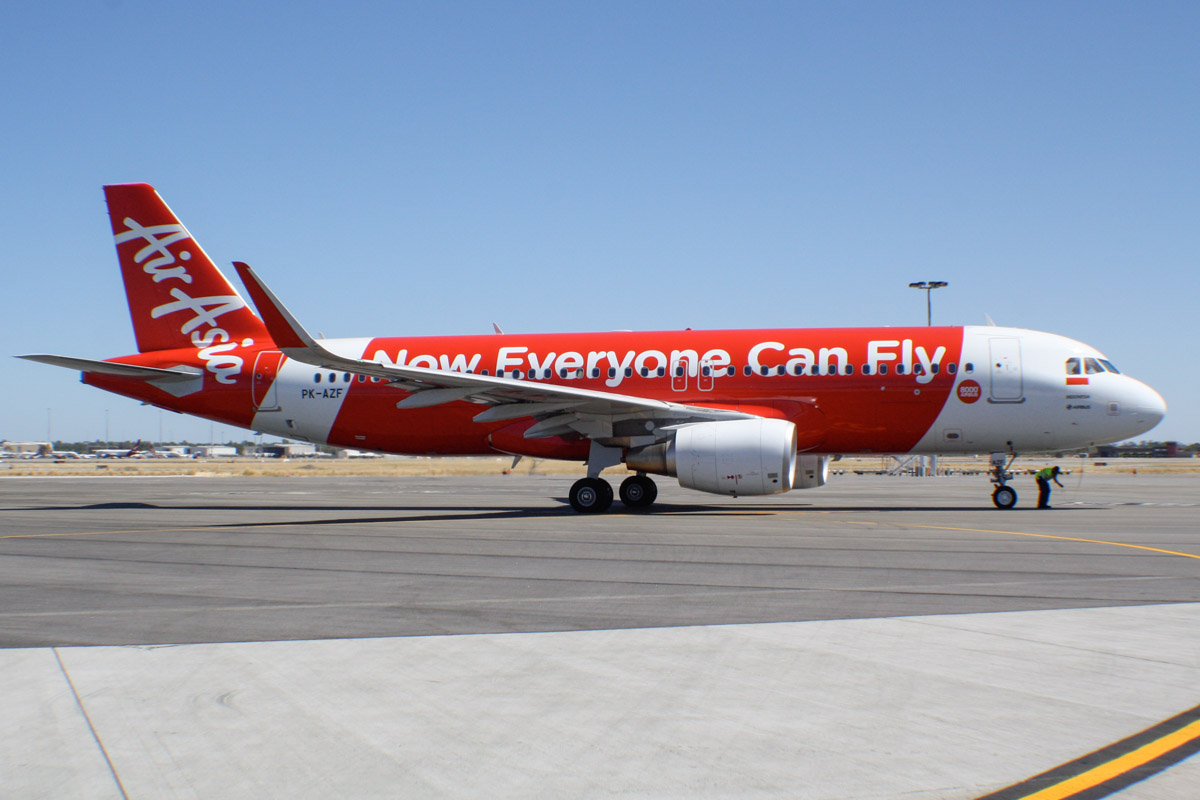 "PK-AZF Airbus A320-216 (sharklets) (MSN 5706) of AirAsia Indonesia with ""8000th Airbus"" decal, at Perth Airport - Sat 4 January 2014. Photo © Wilson"