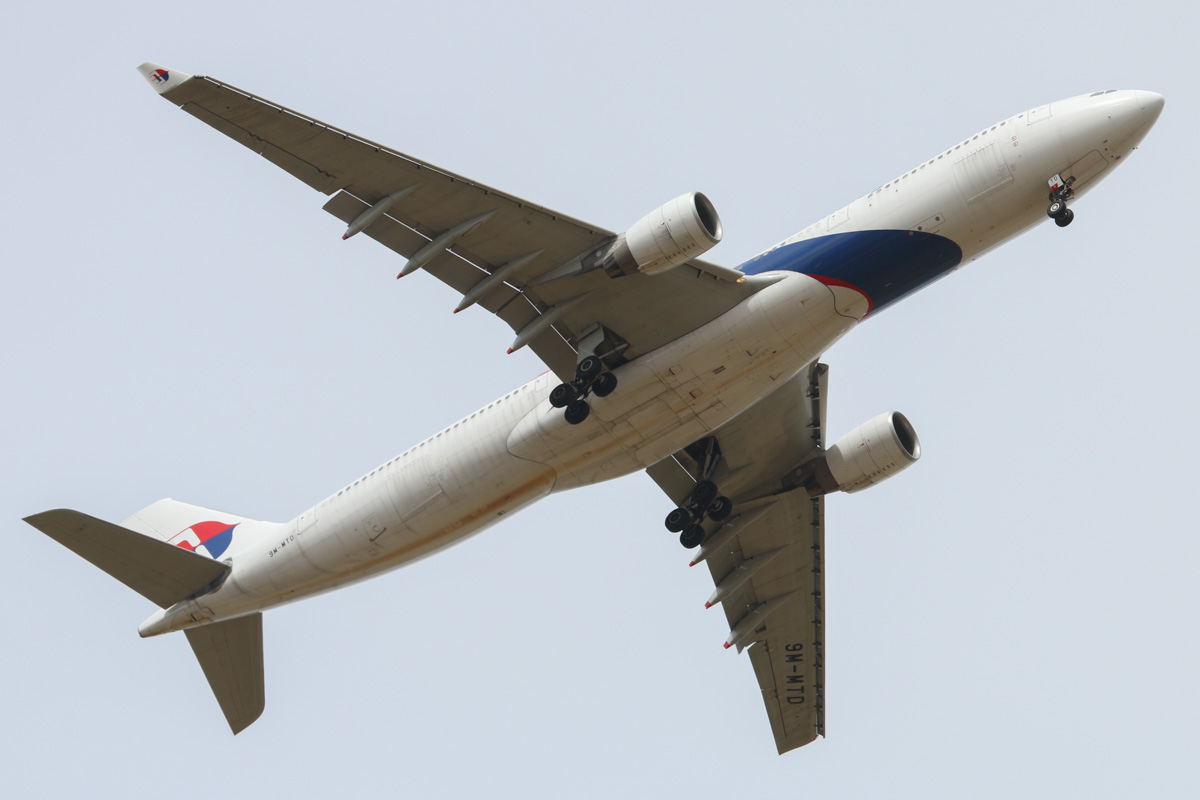 9M-MTD Airbus A330-323X (MSN 1234) of Malaysia Airlines, over West Swan – Wed 8 January 2014. Photo © David Eyre