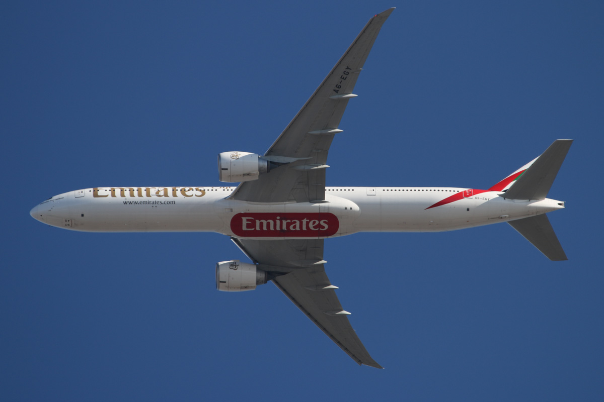 A6-EGY Boeing 777-31HER (MSN 41080/1039) of Emirates over the northern suburbs of Perth - Sun 12 January 2014. Photo © David Eyre
