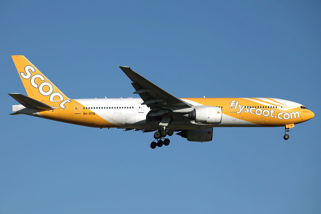 "9V-OTB Boeing 777-212ER (MSN 28508/83) of Scoot, named ""Big Yella Fella"" at Perth Airport - Fri 17 January 2014. Photo © Ian Moy"