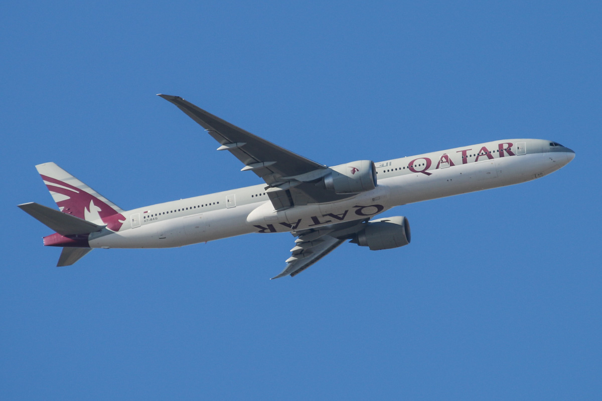 "A7-BAG Boeing 777-3DZ ER (MSN 36014/819) of Qatar Airways, named ""Littoriya"", over the northern suburbs of Perth - Sat 18 January 2014. Photo © David Eyre"