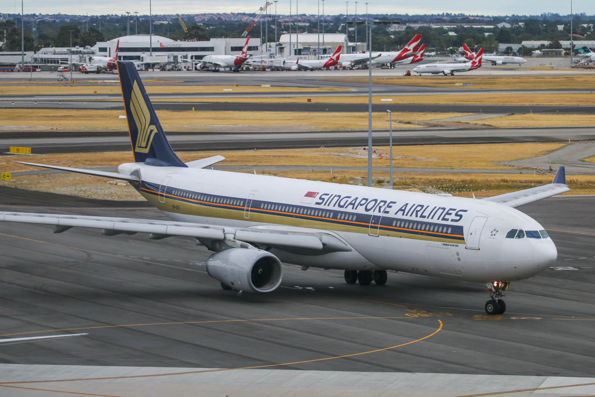 9V-STS Airbus A330-343X (MSN 1157) of Singapore Airlines (leased from LCI) at Perth Airport - Fri 24 January 2014. Photo © David Eyre
