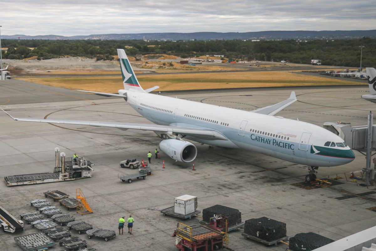 B-LAE Airbus A330-343X (MSN 850) of Cathay Pacific at Perth Airport - Fri 24 January 2014. Photo © David Eyre