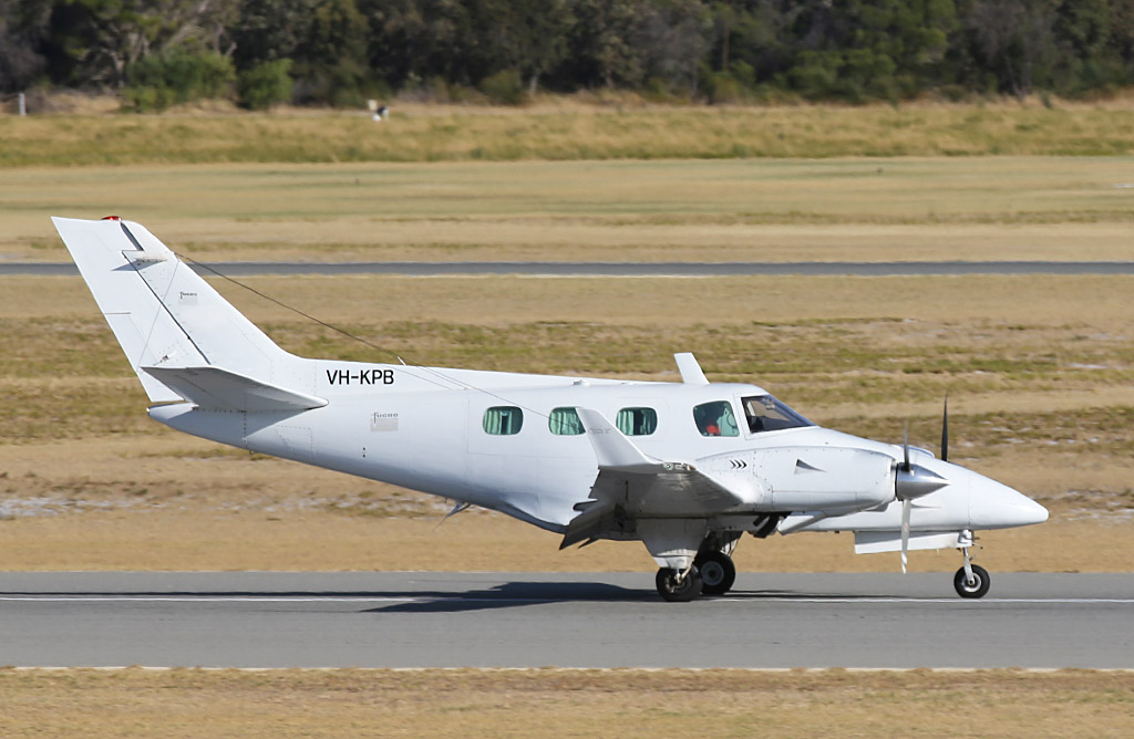 VH-KPB Beech Duke B60 (MSN P-466) of Fugro Spatial Solutions Pty Ltd at Jandakot Airport – Sun 26 January 2014. Photo © Keith Anderson