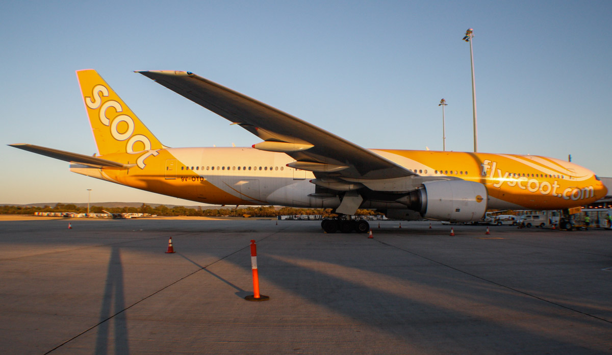 "9V-OTD Boeing 777-212ER (MSN 28510/90) of Scoot, named ""Maju lah"" at Perth Airport - Mon 20 January 2014. Photo © Wilson"