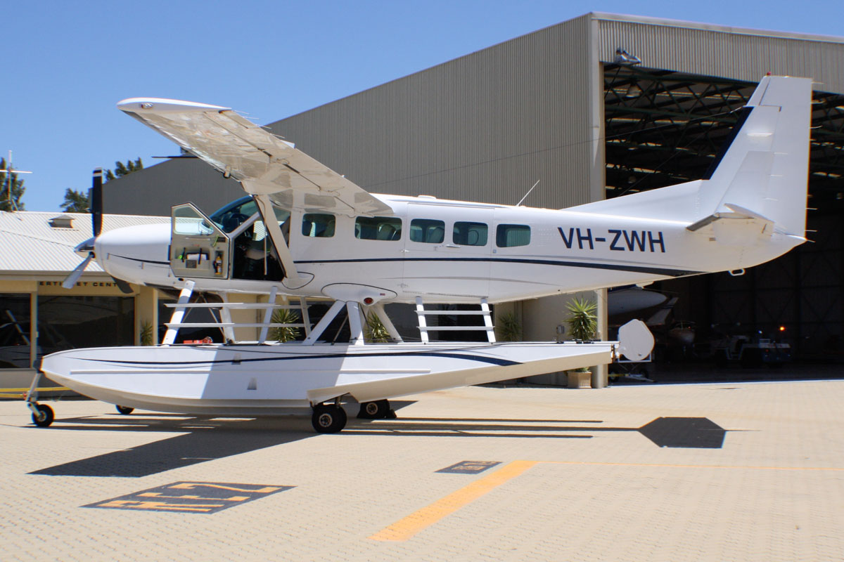 VH-ZWH Cessna 208 Caravan I amphibious floatplane (MSN 20800399) of Avwest Pty Ltd at Perth Airport - Tue 28 January 2014. Photo © Wilson