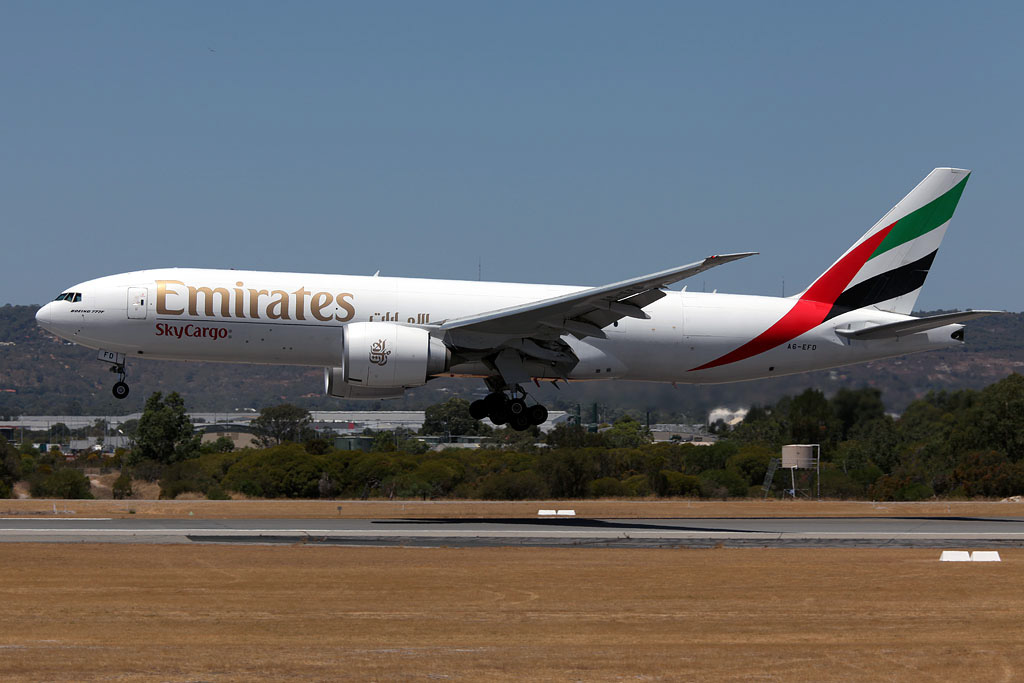 A6-EFD Boeing 777-F1H (MSN 35610/1065) of Emirates SkyCargo (leased from Atlas Air Worldwide Holdings), at Perth Airport – Mon 3 Feb 2014. Photo © Ian Moy