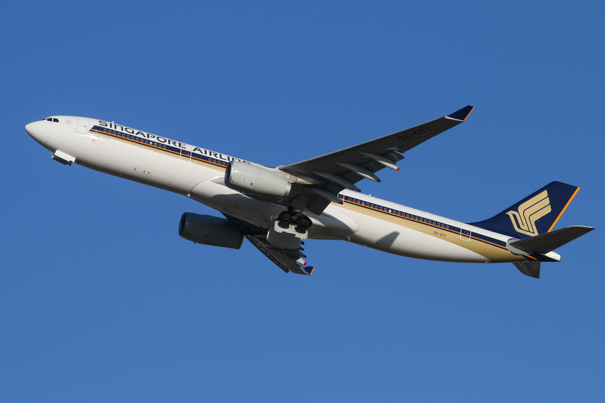 9V-STY Airbus A330-343X (MSN 1453) of Singapore Airlines at Perth Airport - Fri 7 February 2014. Photo © David Eyre